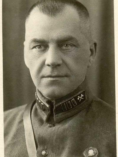 Заказать Эмблемы рода войск обр. 1935-45 гг. (инженерные войска)