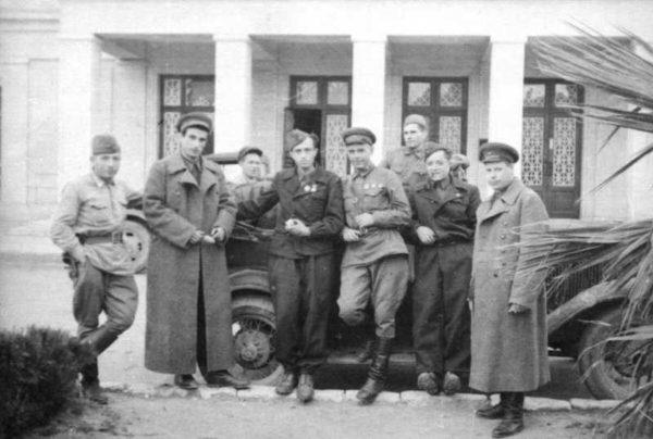 Производство и продажа Китель горно-стрелковых частей РККА M3-124-U с доставкой по всему миру