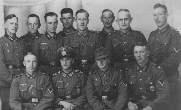 Производство и продажа Муфты на погоны с шифровкой полка или части обр.1940 г. M4-002-Z с доставкой по всему миру
